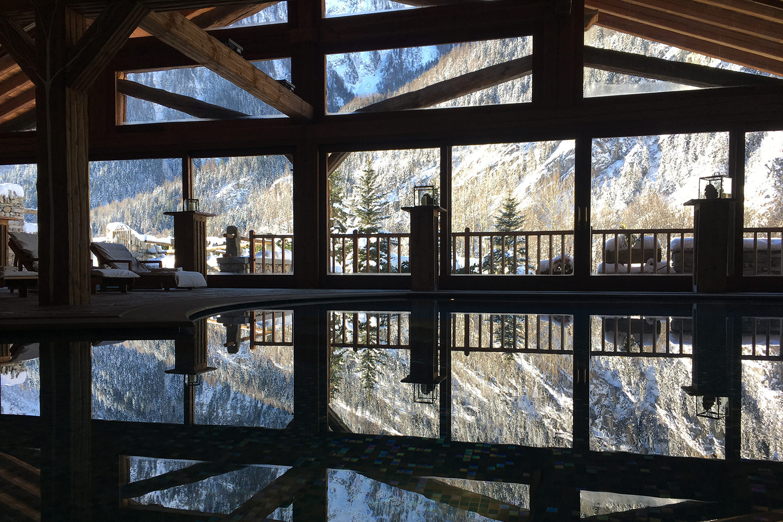 piscina au coeur des neiges courmayeur